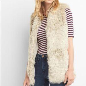 Gap faux fur vest for fall